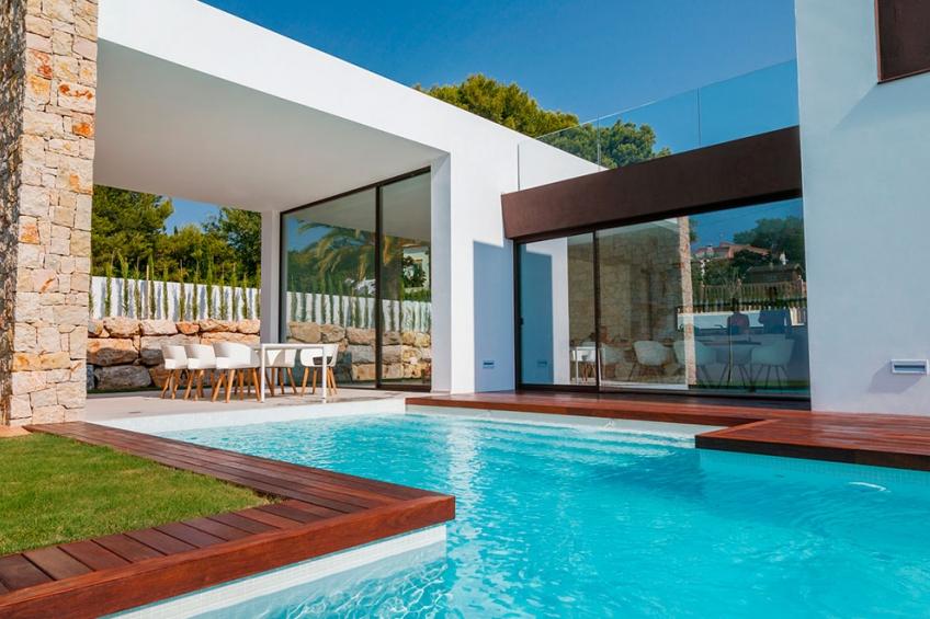 Moderne luxe villa met eigen zwembad dichtaan de zee in Moraira (  Moraira Alicante Spanje )