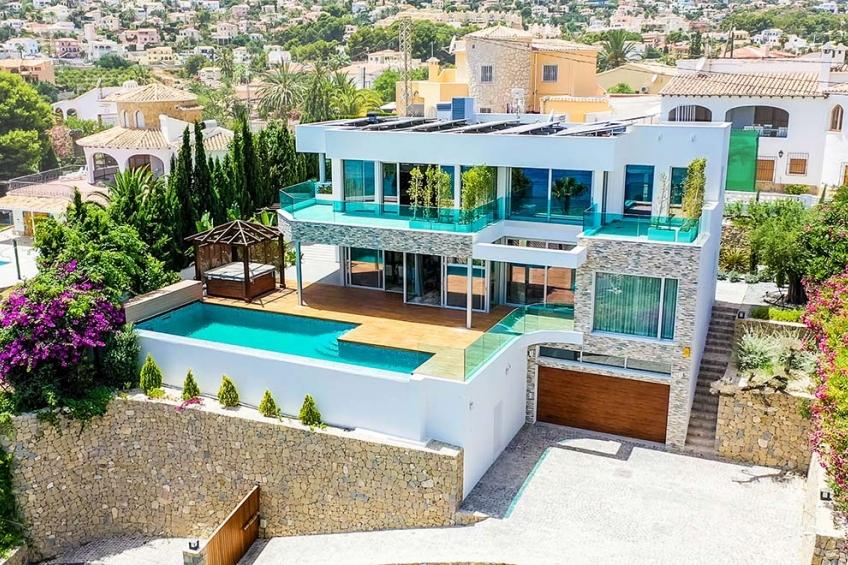 SLEUTEL KLAAR! Luxe villa met prachtig uitzicht op zee, 70m van het strand, in Calpe (  Calpe Alicante Spanje )
